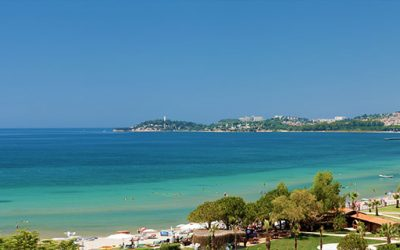 Why You Should Buy a Villa in Altinkum